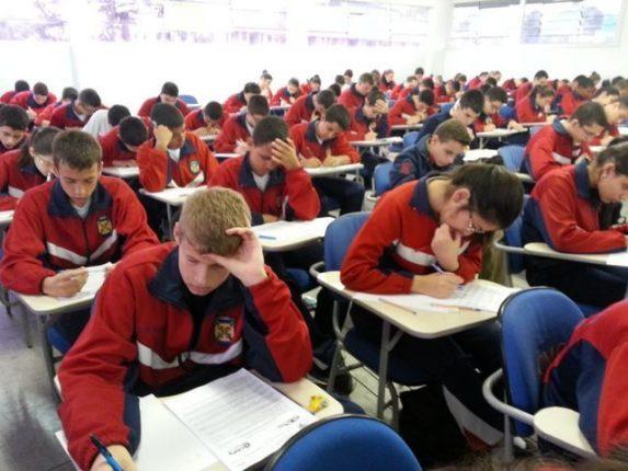 CMC colégio militar de curitiba